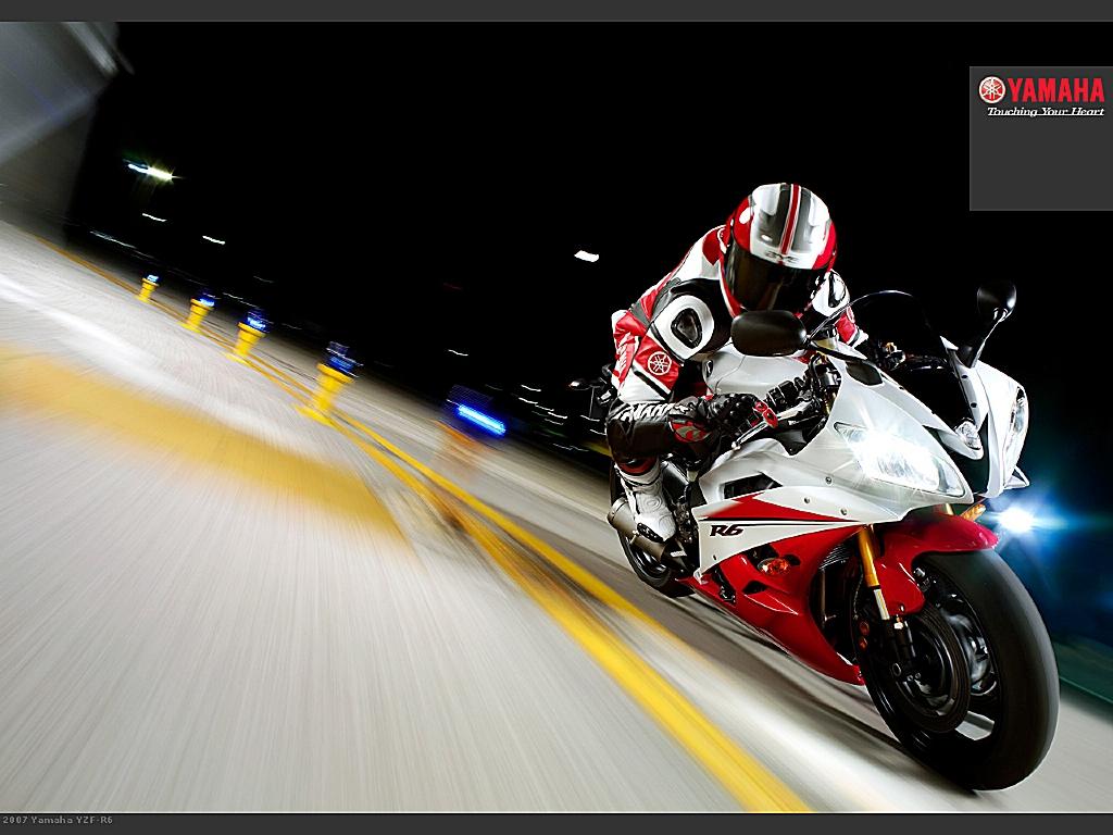 http://2.bp.blogspot.com/-iux61WA0cGQ/Tl724l9TnKI/AAAAAAAADvI/qRSIuejPDLY/s1600/2007-Yamaha-YZF-R6-wallpaper-01_pr_tcm26-189250.jpg
