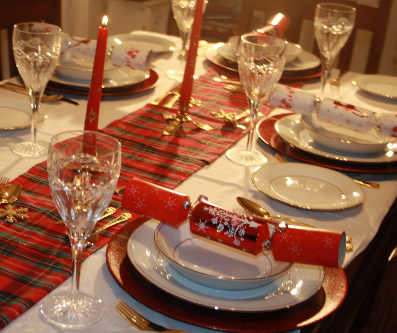 Di For Tea Christmas Table Settings