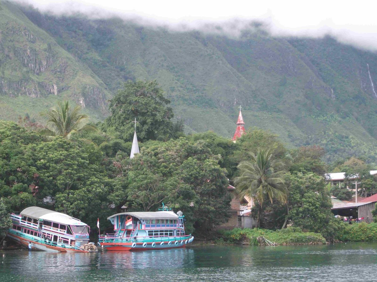 Lake Toba and Samosir island - ComplexMania