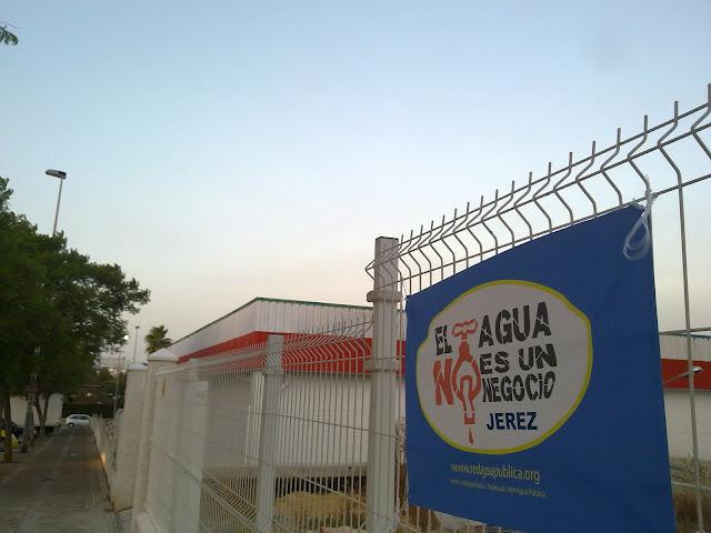 Jerez-red agua publica-aqualia-banderola