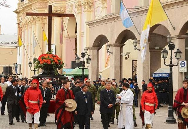 Unas 800 mil personas veneraron a la Virgen del Milagro en Salta 0916_virgen_milagro_g3.jpg_1853027551