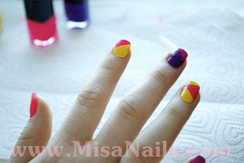 Vẽ nail color block chơi thu