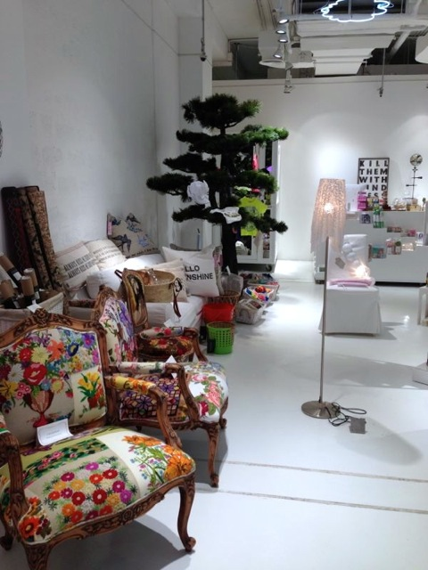 Stocking kuwait based home accessories and furniture brand pieces by farah next time i go to dubai this place will be on top of my must visit list
