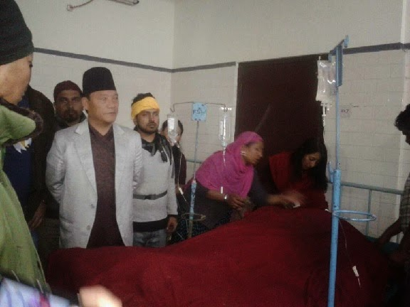 Bimal Gurung visit the victim of the Gas balloon cylinder explosion in Darjeeling