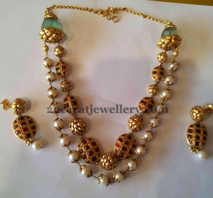 Pearls Necklace by Boorugu Jewellers