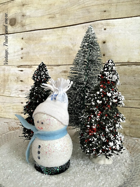 Vintage, Paint and more... DIY snowman from thrifted wood pieces painted and added to a winter scene