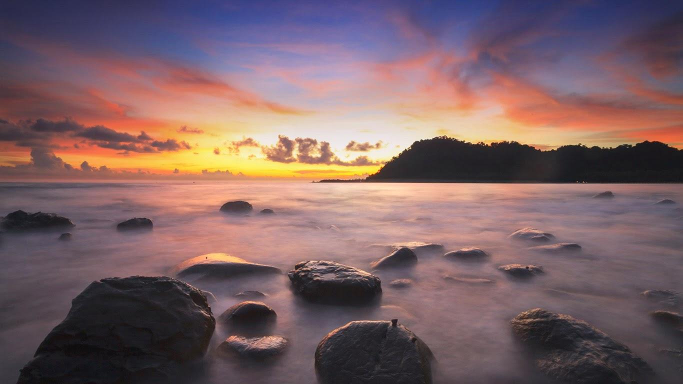 Ko Kut Island, Thailand (© sripfoto/Shutterstock) 106