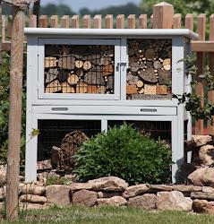 Wildbienenhotel-Upcycling|aus altem Kaninchenstall *klick*