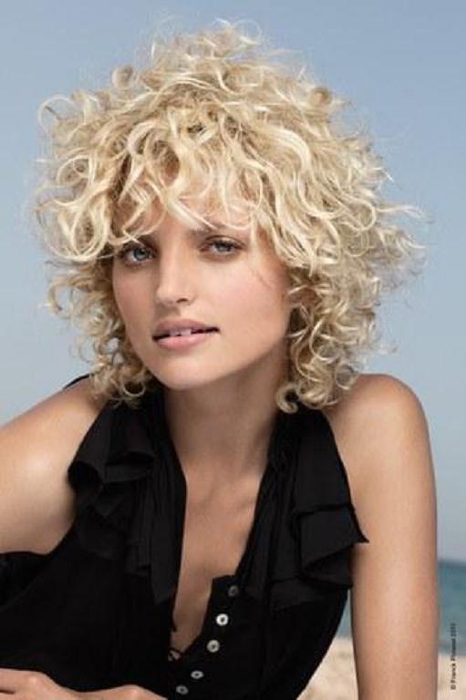 Cortes de Pelo Rizado Corto Para Mujer YouTube - Peinados Cortos Rizados Mujer
