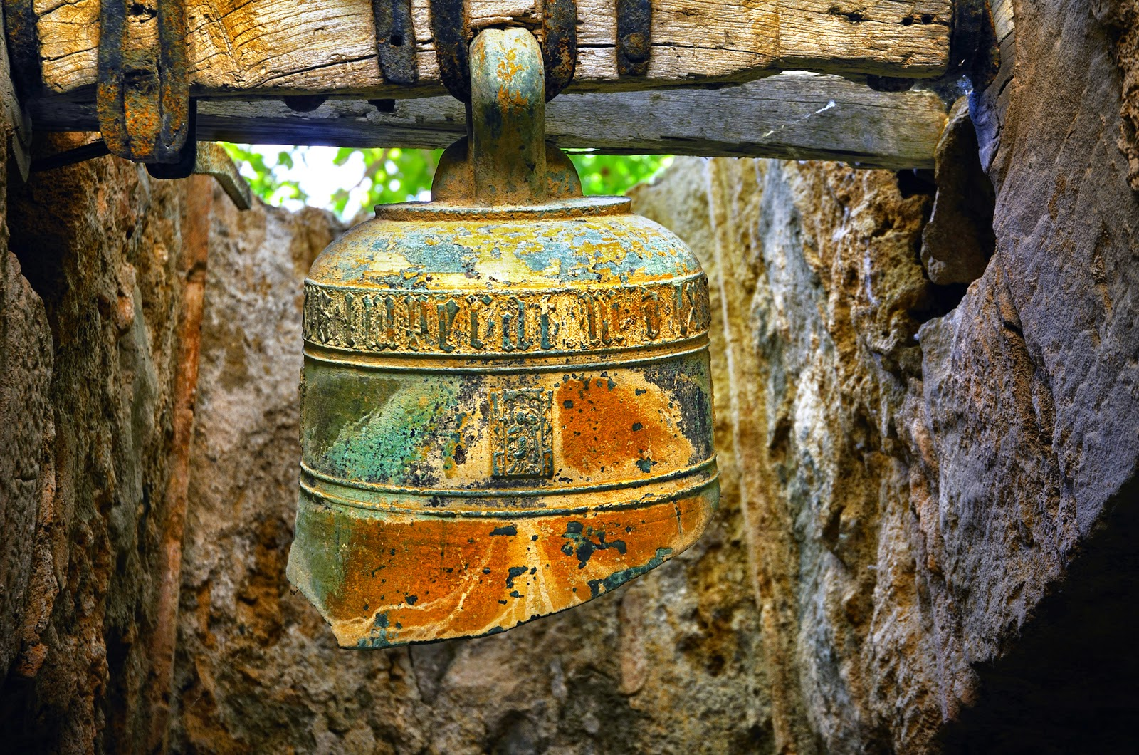 The broken bell of Sant Miquel del Fai