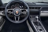 Porsche 911 Carrera (2016) Dashboard