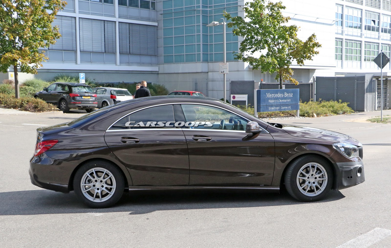 spied mercedes benz is giving its cla a facelift carscoops. Black Bedroom Furniture Sets. Home Design Ideas