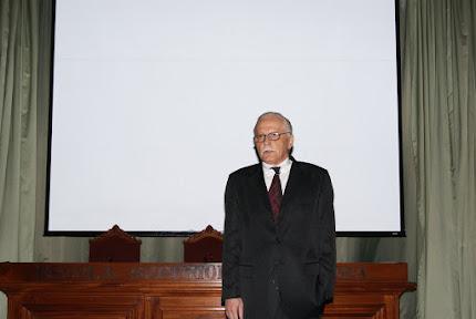 PROF. RAIMUNDO TEIXEIRA DE ARAÚJO
