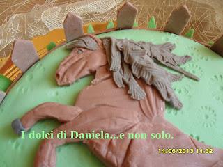torta con cavallo.
