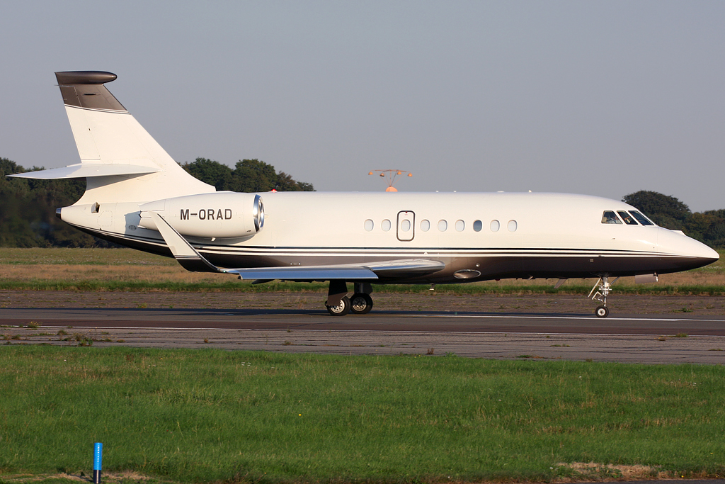 LONDON BIGGIN HILL AIRPORT EGKB/BQH IMAGES by Terry Wade: M-ORAD ...