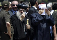 الأنبا باخوميوس يشارك في مراسم الجنازة العسكرية لجنود سيناء