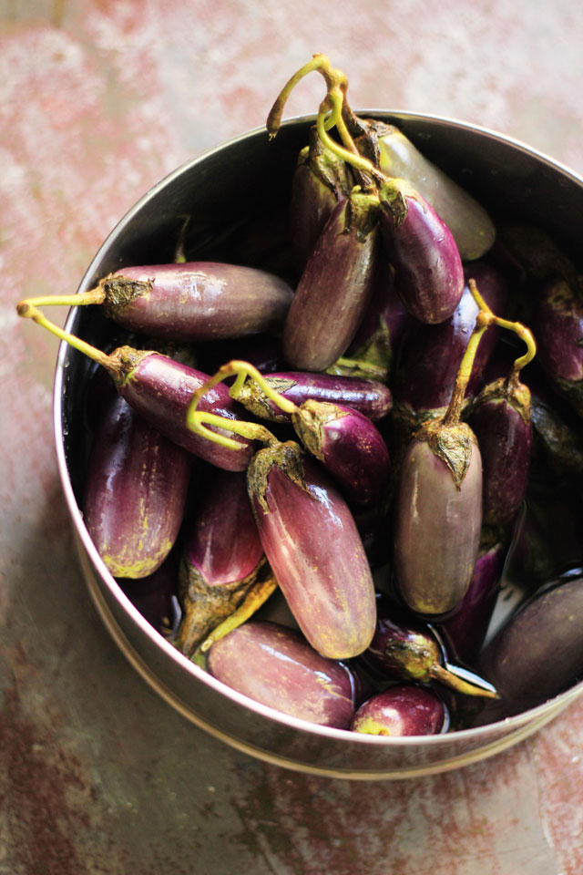 Baby Eggplant with Tamarind & Black Pepper 2 | Indian Recipes