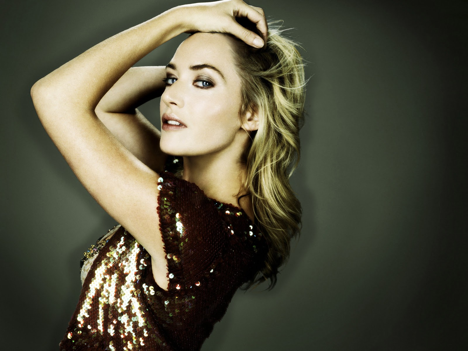 http://2.bp.blogspot.com/-ixNrFp09nAw/TooiMREgx-I/AAAAAAAAGHU/VgTRM5VhwdE/s1600/Kate+Winslepics-hairstyles-Kate+Winslet+hot-titanic-wallpapers-gallery+%252826%2529.jpg