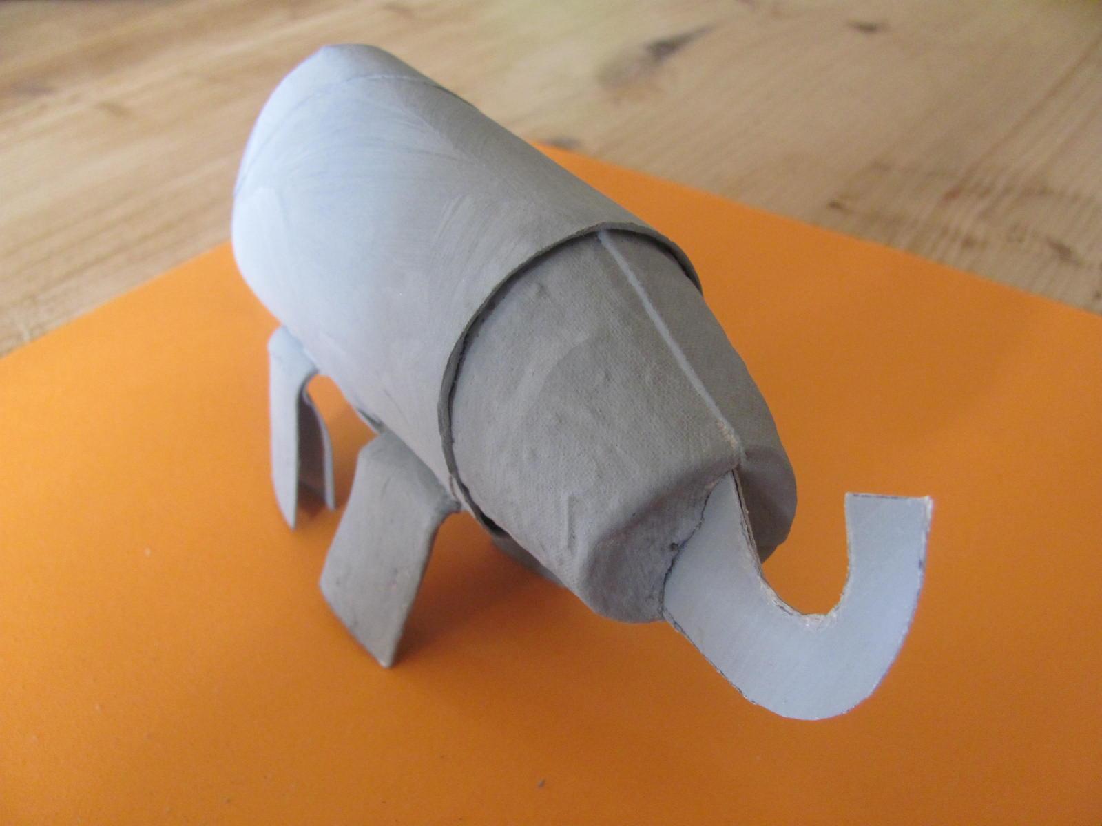 how to cut back elephant ears