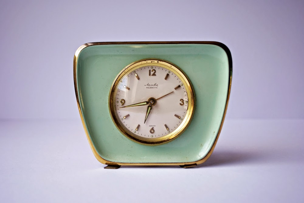 seafoam green and gold 50's windup clock