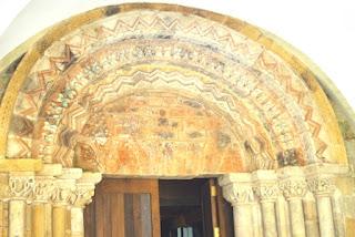 Villaviciosa, Valdediós, monasterio de Santa María, iglesia, portada