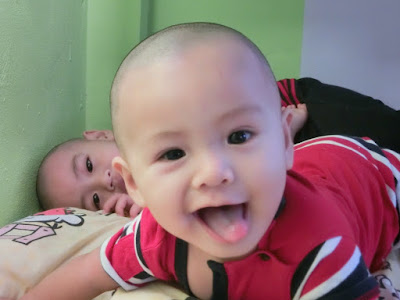 When Lil' Amin turns 8 months .... semakin cheeky la dia ....