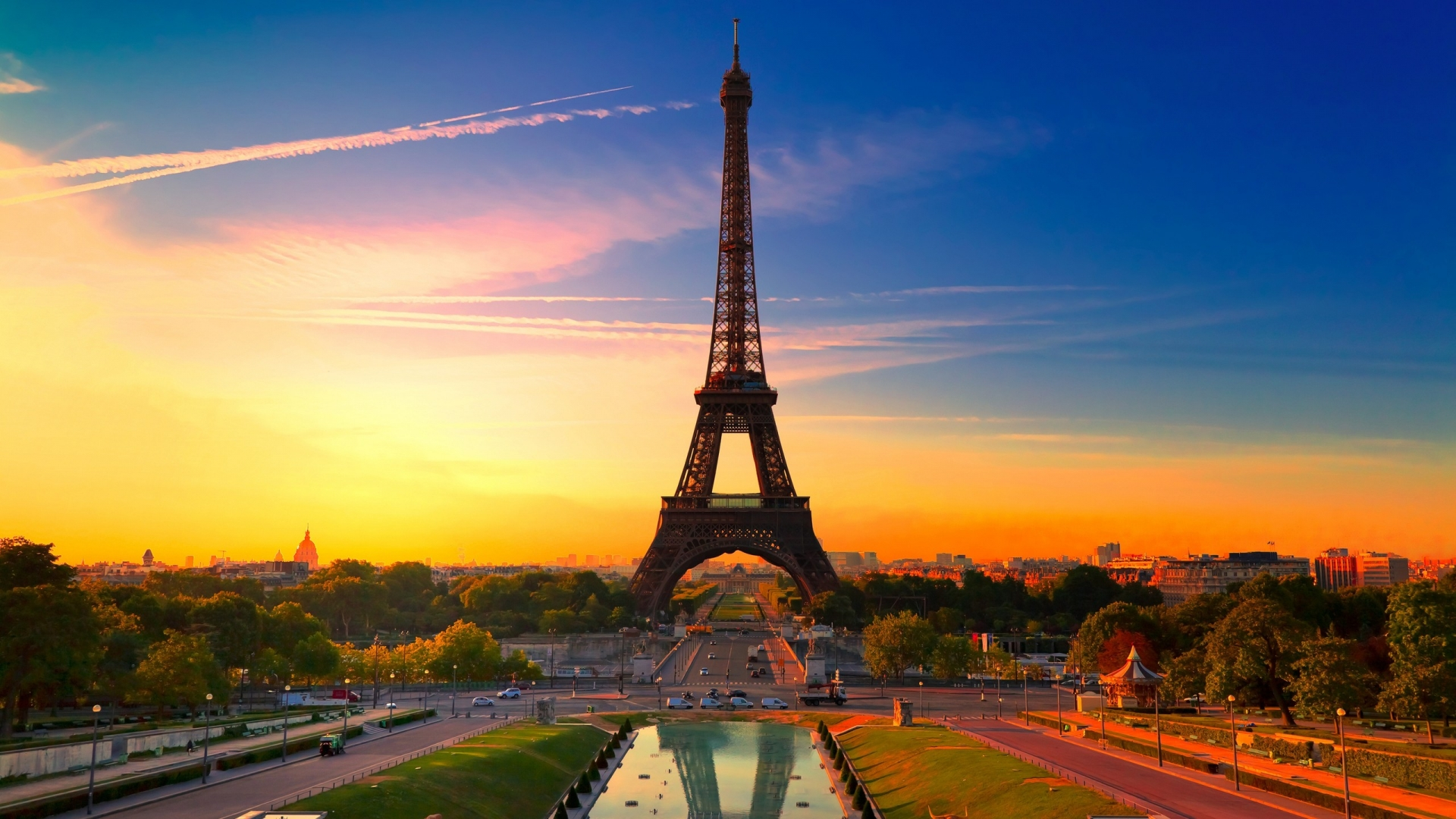 http://2.bp.blogspot.com/-iy76dLKxS8w/UGmb2kPsmdI/AAAAAAAALFY/GO4l0Ot32a0/s0/sunset-in-paris-1920x1080-wallpaper.jpg