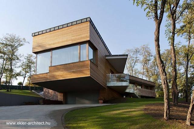 Casa doble moderna en un suburbio en Hungría