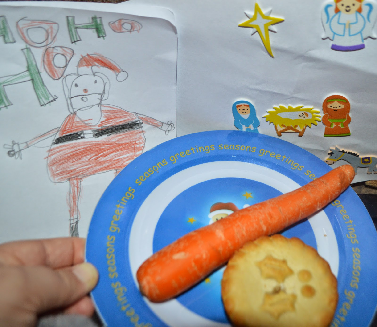 Christmas Eve 2014 UK Traditions Mince Pie Carrot Santa