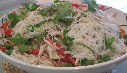 Chicken and Vermicelli with Bell Peppers and Coriander