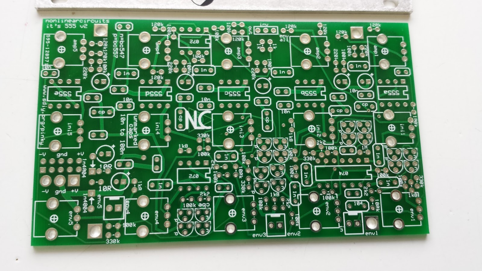 Jondent Exploring Electronic Music 555 Resonator Build Notes Step 2 The Ic Oneshot Timer Module Takes Its Name From This Integrated Circuit Is Used In A Variety Of Pulse Generation And Oscillator Applications