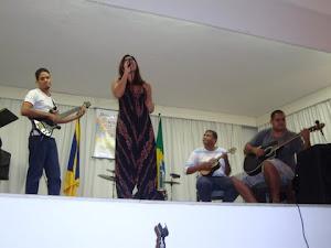 Thiago Rosa (guitarra),Camila Jatobá (voz),