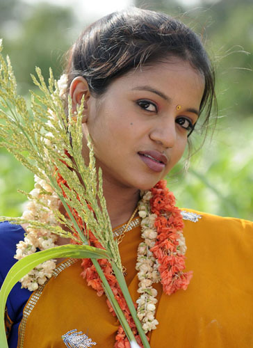 bhale kurrallu movie heroine bhavyasri stills