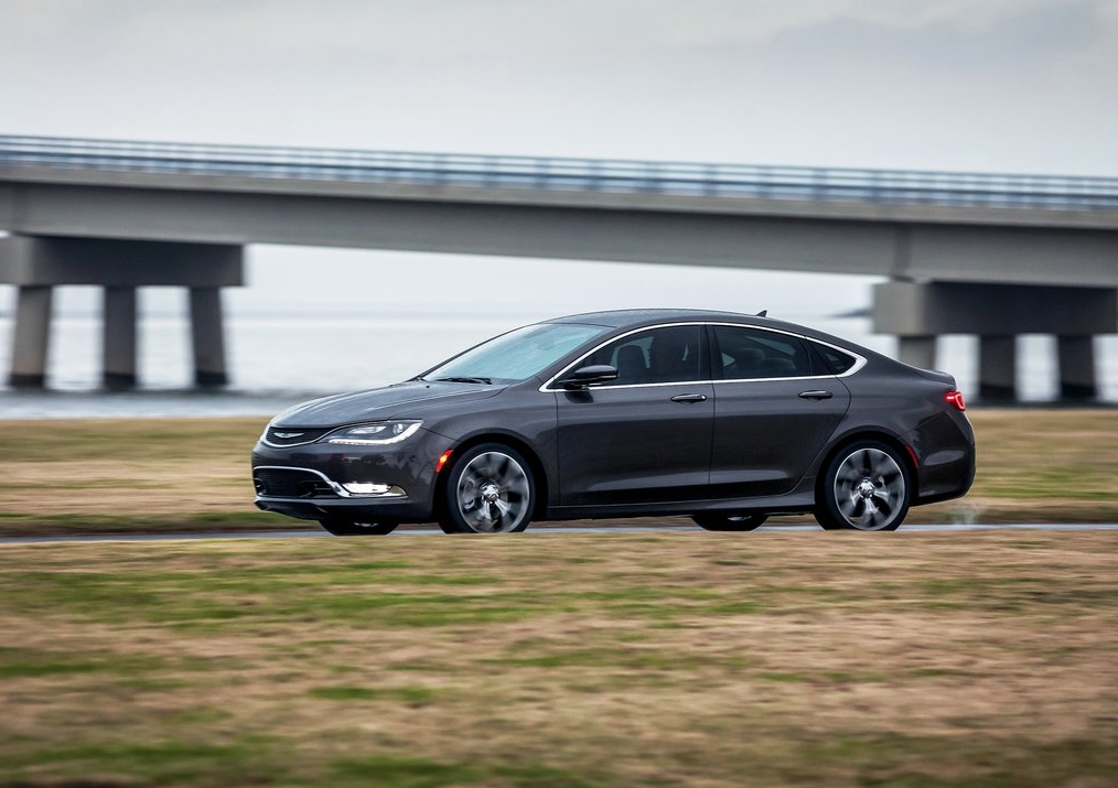 2015 Chrysler 200 grey