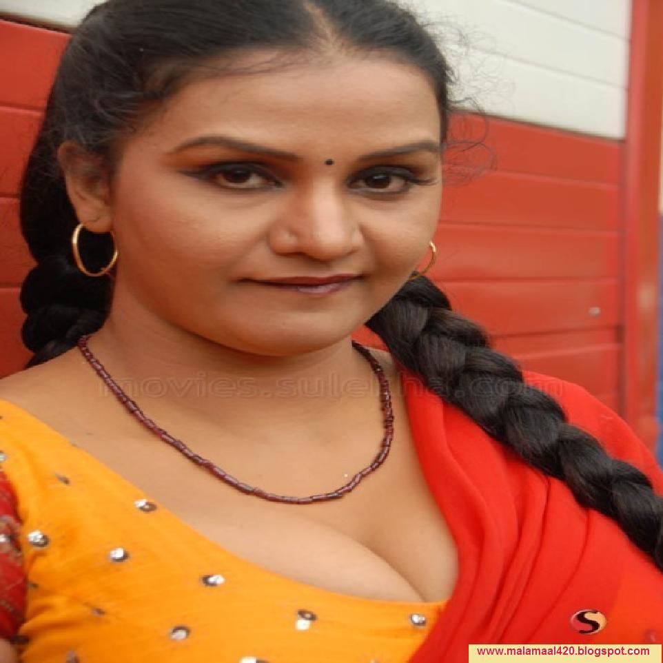 Apoorva Mallu Reshma Aunty Mallu Bhabi Hot Masala Actress ...