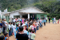 Autoridades e moradores marcam presença na reabertura do CRAS Fischer