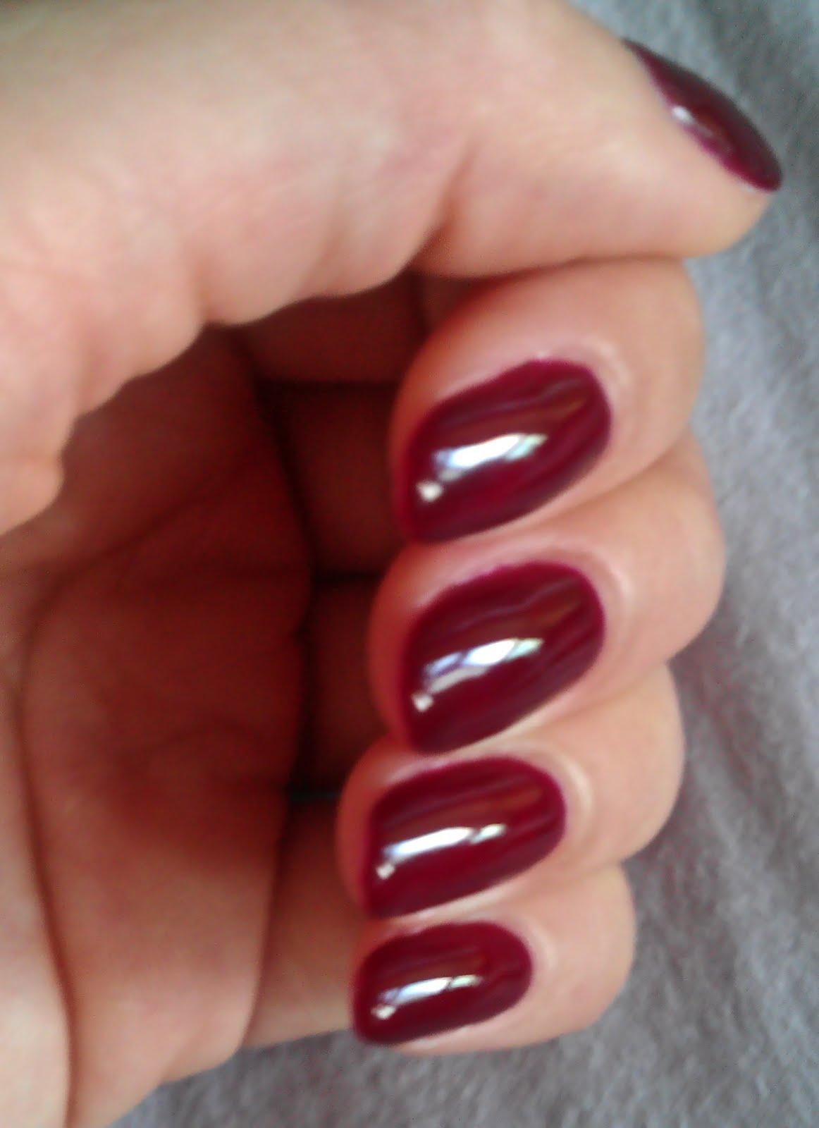 The Clover Beauty Inn: *Updated* Gelish - Black Cherry Berry