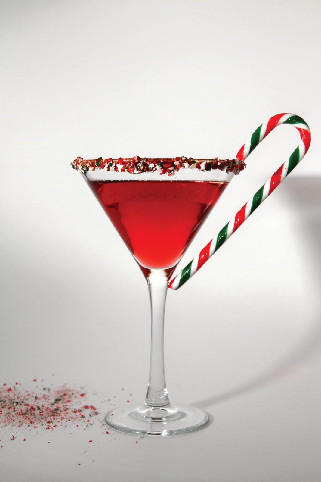 The santa hat cocktail with candy cane the style for Cocktail martini