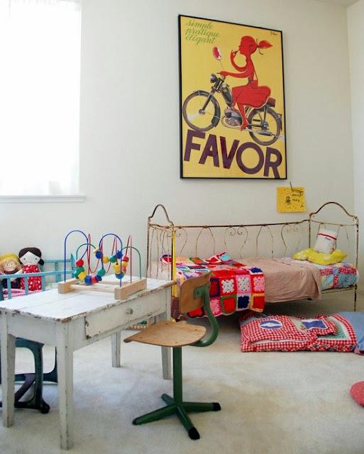 vintage kids room