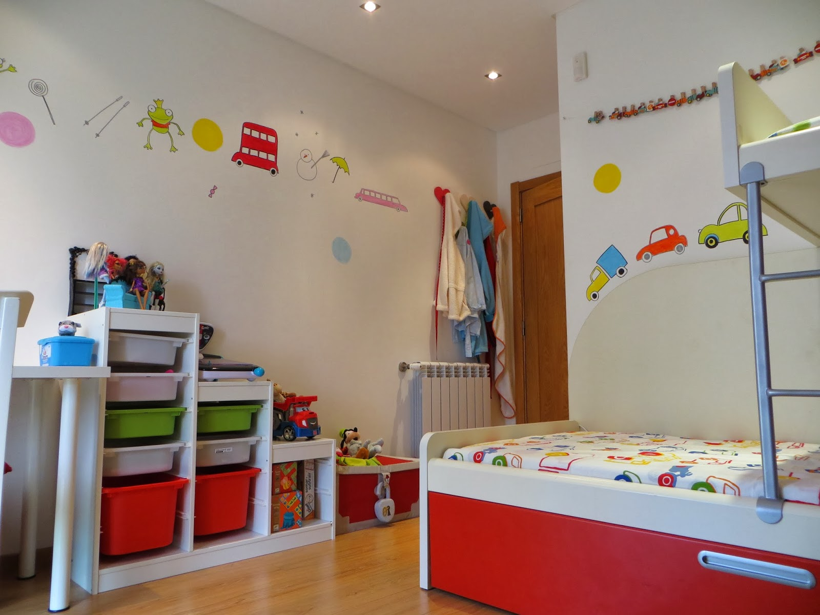 Jogo De Quarto Infantil Carros Redival Com ~ Desenhos Para Quarto Infantil E Foto De Quarto De Menino