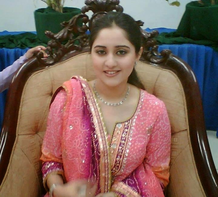 Story Of A Kashmiri S Girl By: The Gallery For --> Kashmiri Women For Marriage