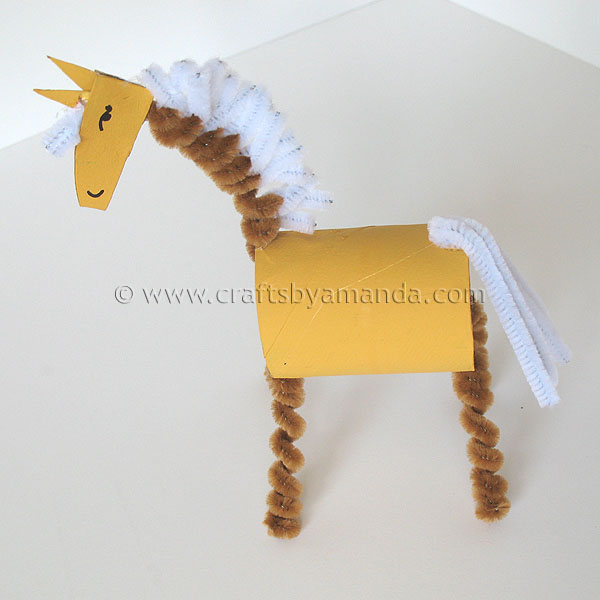 Cardboard tube horse the farm series crafts by amanda for Horse crafts for kids