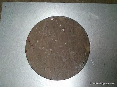 Cortar círculo en chapa de acero galvanizado. www.enredandonogaraxe.com