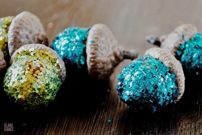 Holiday sparkle - Glitter Acorns