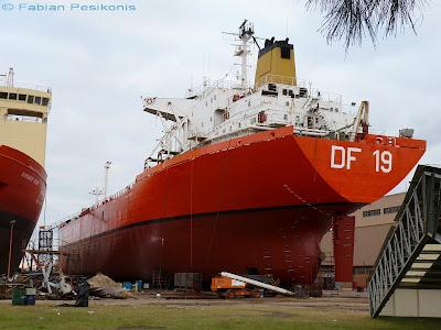 Dossier fotográfico: nuevos pontones de prácticos DF-19 y DF-20 de la Prefectura Naval. DF+19+en+Tandanor