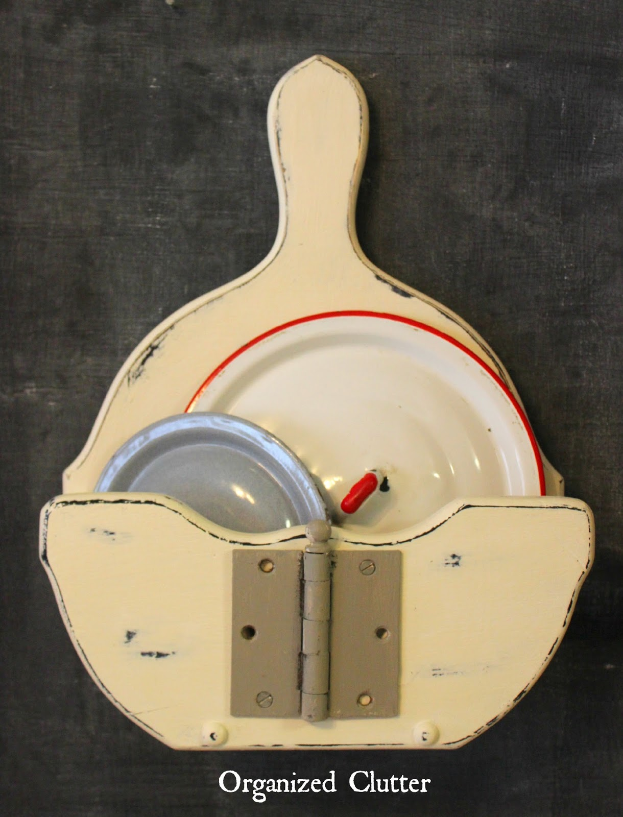 Upcycled Paper Plate Holder