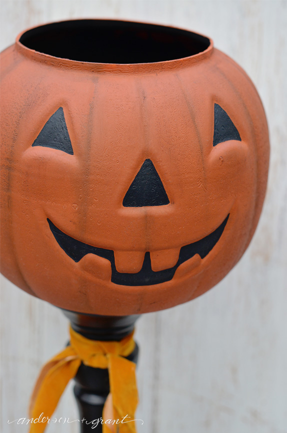 Easy, fast, and cheap DIY Halloween Pumpkin | wwww.andersonandgrant.com