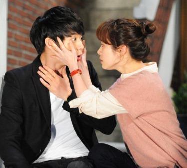 Korean Heartthrob Park Yoochun Returns as Prince Lee Gak in 'Rooftop Prince'