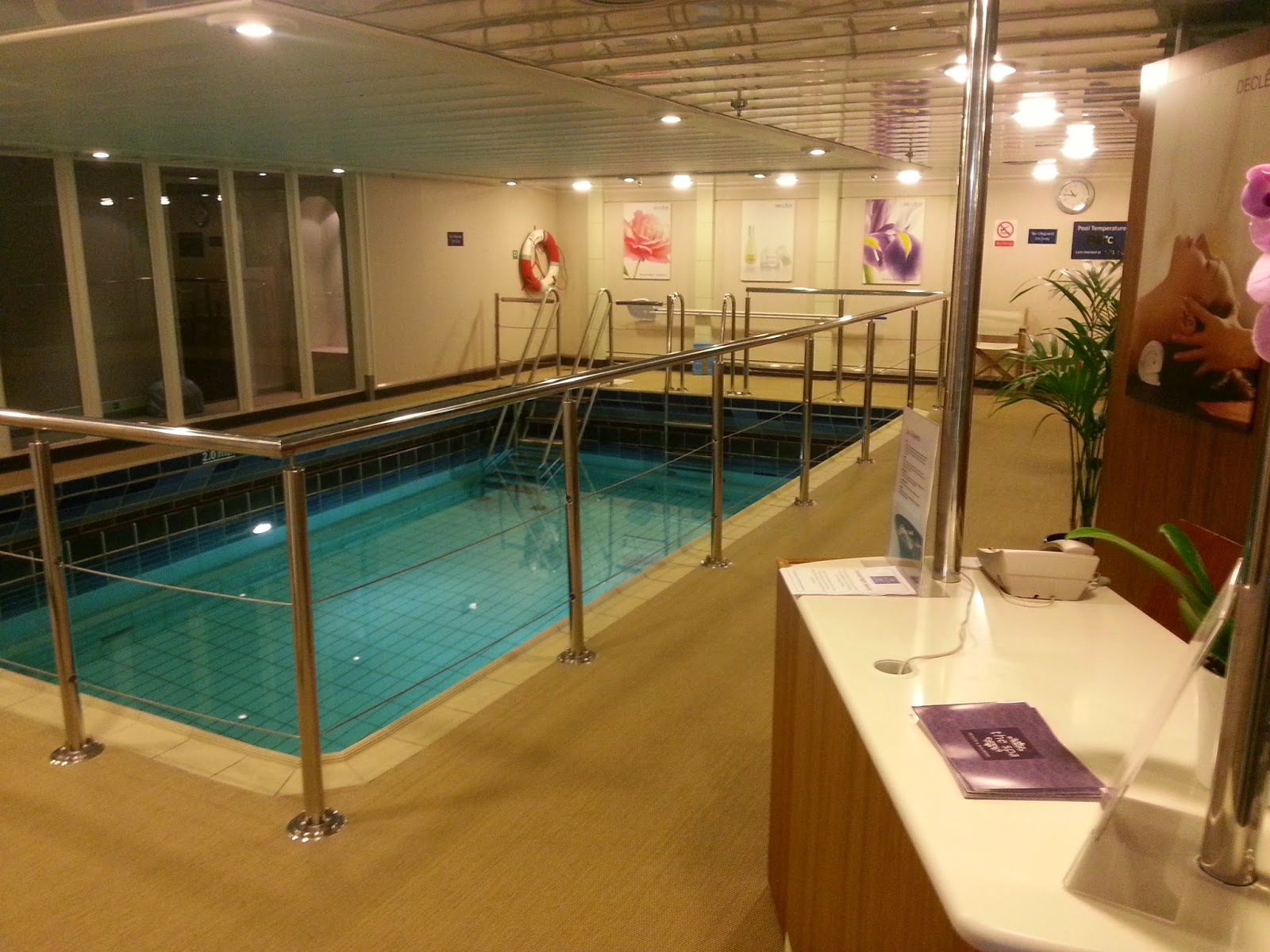 Cruise Ship Saga Pearl II - Indoor Pool and Spa