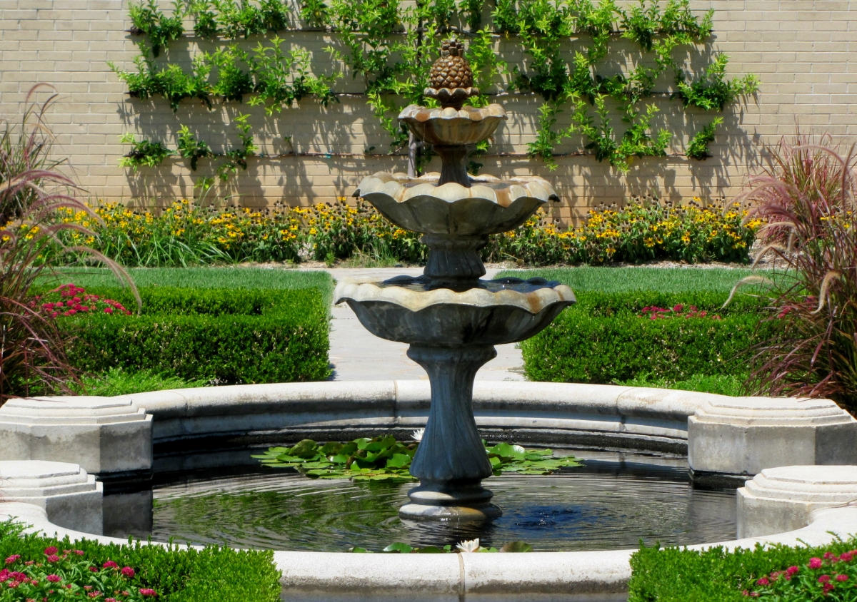 victorian garden fountain Tulsa Gentleman: Weekend Reflections - Tulsa garden Center
